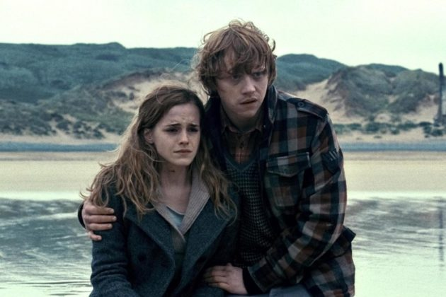 Harry Potter and the Deathly Hallows: Part I (2010) Emma Watson as Hermione Granger and Rupert Grint as Ron Weasley
