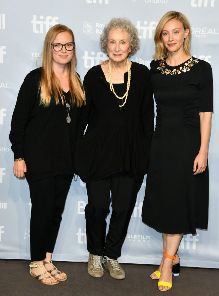 George Pimentel via Getty Images Sarah Polley, Margaret Atwood e Sarah Gadon no Toronto International Film Festival.